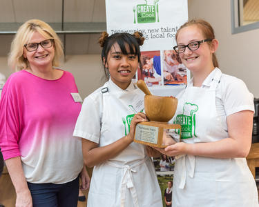 2017 Winners Emily & Ellie from the Isle of Wight with Masterchef winner & judge Jane Devonshire